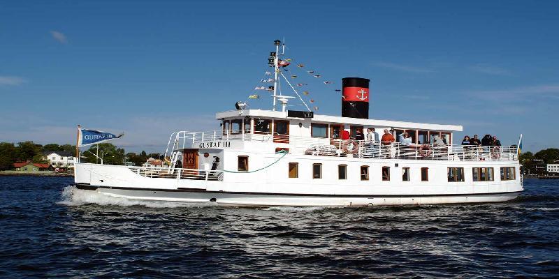 boat tour in stockholm