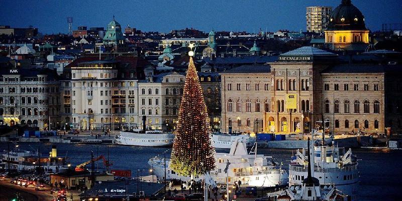 chirismis tree in stockholm